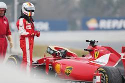 Sebastian Vettel, Ferrari SF15-T spins off the circuit