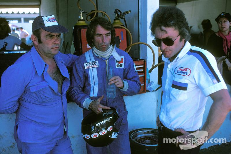 Jacques Laffite, Ligier JS5-Matra, mit Guy Ligier, Besitzer, und Gérard Ducarouge, Designer und Ingenieur