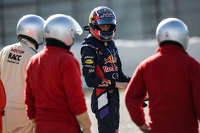 Daniil Kvyat, Red Bull Racing stops on the circuit