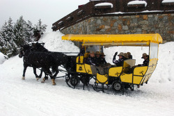 All the drivers and Dr Mario Theissen (BMW Motorsport Director) get a ride in the snow