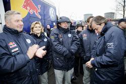 Volkswagen Motorsport departure in Wolfsburg: Tina Thorner, Giniel De Villiers and Carlos Sainz