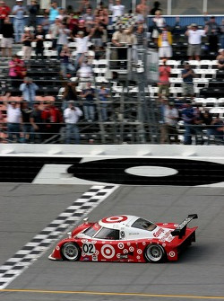 #02 Target Chip Ganassi with Felix Sabates Lexus Riley: Scott Dixon, Dan Wheldon, Casey Mears takes the checkered flag