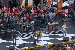 Bon Jovi performs in pre-race ceremony