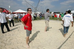 Beach volley match: ALMS drivers try to focus