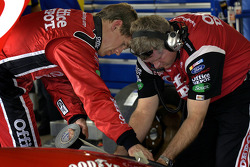Carl Edwards and crew chief Bob Osborn at work