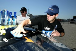 Paul Menard tries Turtle Wax Ice on his car