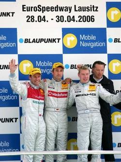 Podium: race winner Bernd Schneider with Tom Kristensen, Mika Hakkinen and Hans-Jürgen Mattheis