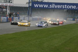 Start: #4 GLPK-Carsport Corvette C6R: Bert Longin, Anthony Kumpen, Mike Hezemans takes the lead