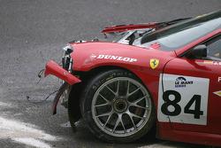 #84 Team Icer Brakes Ferrari F430 GT: Jesus Diez Villarroel wreckage