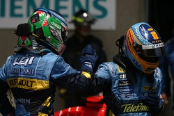Giancarlo Fisichella gets second place and Fernando Alonso gets pole position