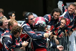 Vitantonio Liuzzi celebrates point finish with his team