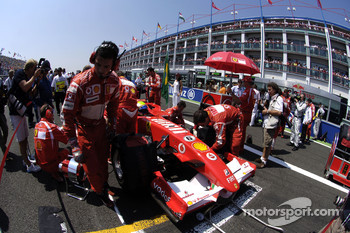 Felipe Massa on the starting grid