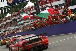 #59 AF Corse Ferrari 430 GT2 LM: Mika Salo, Rui Aguas, Timo Scheider celebrates win in GT2 class