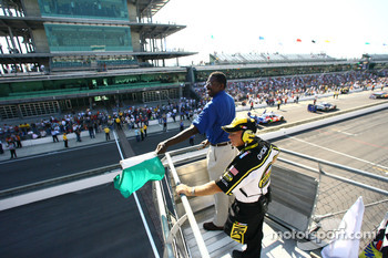 The green flag flies on qualifications