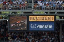 NASCAR-CUP: Accident for Elliott Sadler
