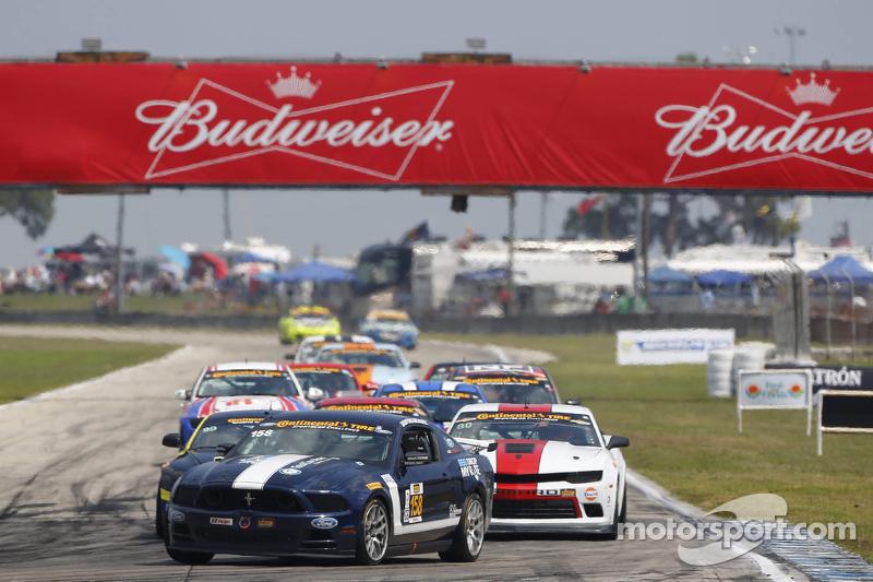 #158 Multimatic Motorsports Mustang Boss 302R: Jade Buford, Austin Cindric