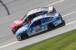 Kurt Busch, Stewart-Haas Racing Chevrolet and Dale Earnhardt Jr., Hendrick Motorsports Chevrolet