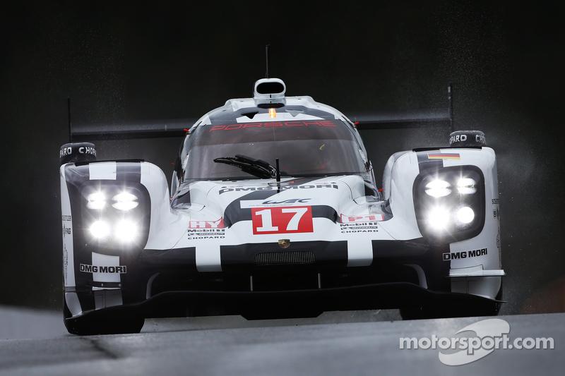 #17 Porsche Team Porsche 919 Hybrid Timo Bernhard, Mark Webber, Brendon Hartley