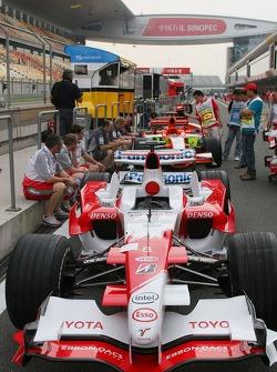 Toyota Racing TF106