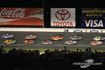 Start: Kasey Kahne leads Scott Riggs