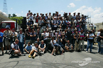 F1 photographers at work