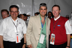 Alan Mulally, President and CEO Ford Motor Company and Cisco Codina meet Taylor Hicks