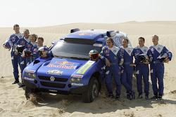 Volkswagen Motorsport presentation in Dubai: Dirk von Zitzewitz, Ralph Pitchford, Fabrizia Pons, Michel Perin, Carlos Sainz, Giniel de Villiers, Mark Miller and Ari Vatanen
