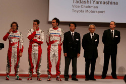 Ralf Schumacher, Jarno Trulli, Franck Montagny, Kazou Okamoto, Toyota Motor Corporation Executive Vice President, Tsutomu Tomita, Toyota Racing Chairman and Team Principal, John Howett, Toyota Racing, President TMG