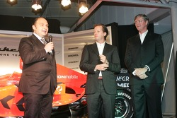 Colin Kolles talks about the new car with Michiel Mol and Victor Muller