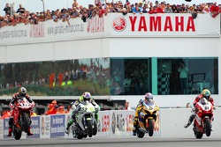 Troy Corser, James Toseland, Max Biaggi and Troy Bayliss at the start