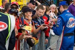 Kurt Busch signs autographs