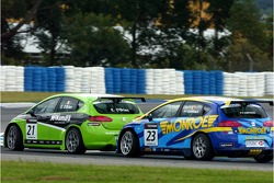 Emmet O'Brien, GR Asia, SEAT Leon and Pierre-Yves Corthals, SEAT Belgique and Monroe, SEAT Leon