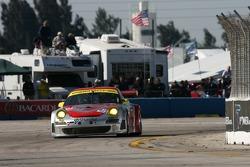 #45 Flying Lizard Motorsports Porsche 911 GT3 RSR: Johannes van Overbeek, Jorg Bergmeister, Marc Lieb