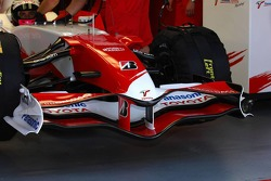 Front wing of  Toyota TF107