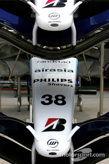 Williams F1 Team, FW29, Front wings