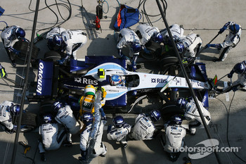 Alexander Wurz, Williams F1 Team, FW29 pitstop