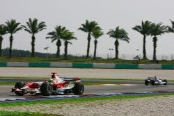 Ralf Schumacher, Toyota Racing, TF107 and Robert Kubica, BMW Sauber F1 Team, F1.07