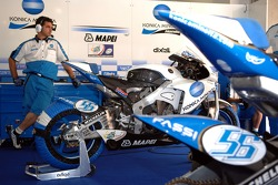 Konica Minolta Honda pitbox