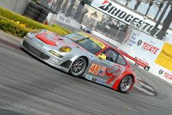 #45 Flying Lizard Motorsports Porsche 911 GT3 RSR: Johannes van Overbeek, Jorg Bergmeister