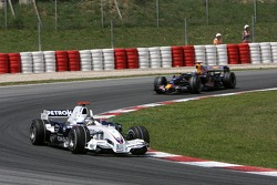 Nick Heidfeld, BMW Sauber F1 Team, F1.07 and David Coulthard, Red Bull Racing, RB3