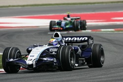 Nico Rosberg, WilliamsF1 Team, FW29 leads Rubens Barrichello, Honda Racing F1 Team, RA107