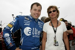 Ryan Newman poses for a photo with his mom, Diane Newman