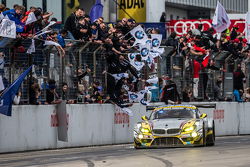 Checkered flag: #25 Marc VDS Racing BMW Z4 GT3: Maxime Martin, Lucas Luhr, Markus Palttala, Richard Westbrook