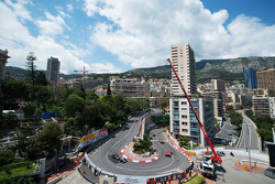Lewis Hamilton, Mercedes AMG F1 W06 leads Nico Rosberg, Mercedes AMG F1 W06 and Sebastian Vettel, Ferrari SF15-T