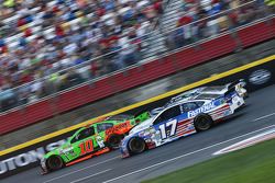 Danica Patrick, Stewart-Haas Racing Chevrolet and Ricky Stenhouse Jr., Roush Fenway Racing Ford