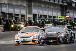 #79 Prosport Performance Porsche Cayman R: Klaus Bauer, Richard Gartner, Moritz Kranz, Andreas Patzelt, #48 Aston Martin Test Centre Aston Martin V12: Liam Talbot, Florian Kamelger, Peter Cate, Wolfgang Schuhbauer