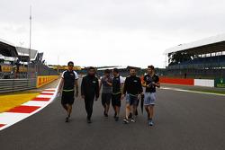 Seb Morris and Alex Fontana and Sandy Stuvik, Status Grand Prix walk the track