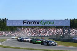 Start: #88 Reiter Engineering Lamborghini Gallardo LP560-4 R-EX: Albert von Thurn und Taxis, Nicky Catsburg leads