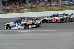 Tony Stewart, Stewart Haas Racing Chevrolet and Kevin Harvick, Stewart-Haas Racing Chevrolet