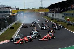 Start: Sebastian Vettel, Ferrari leads